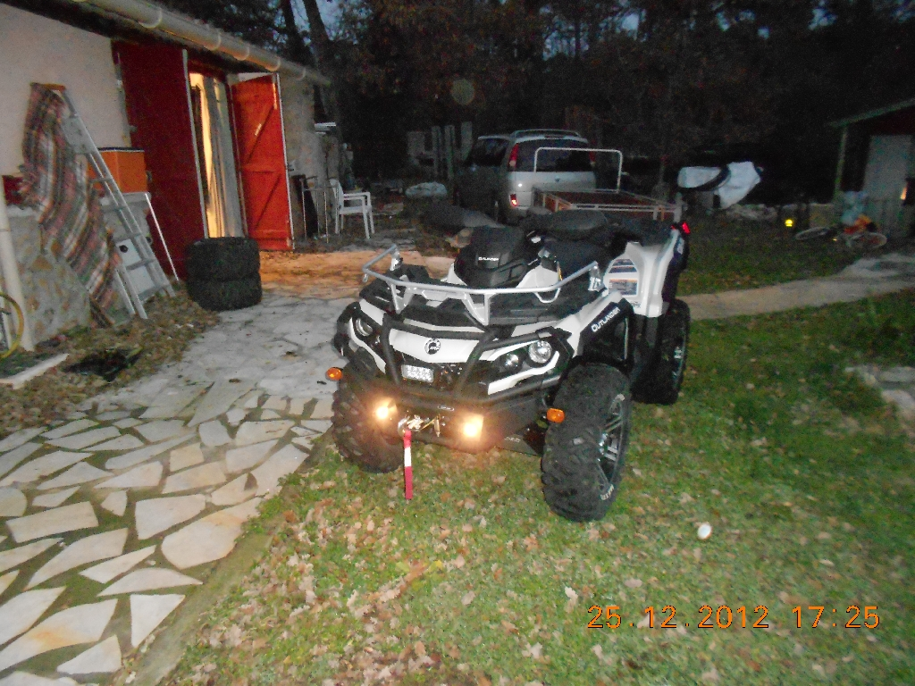 CAN-AM BOMBARDIER Outlander 1000 limited 2013 photo 3