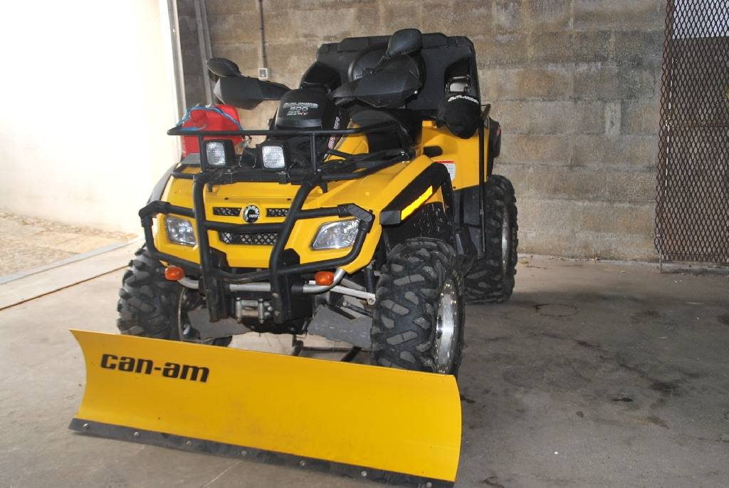 CAN-AM BOMBARDIER Outlander 800  2008 photo 2