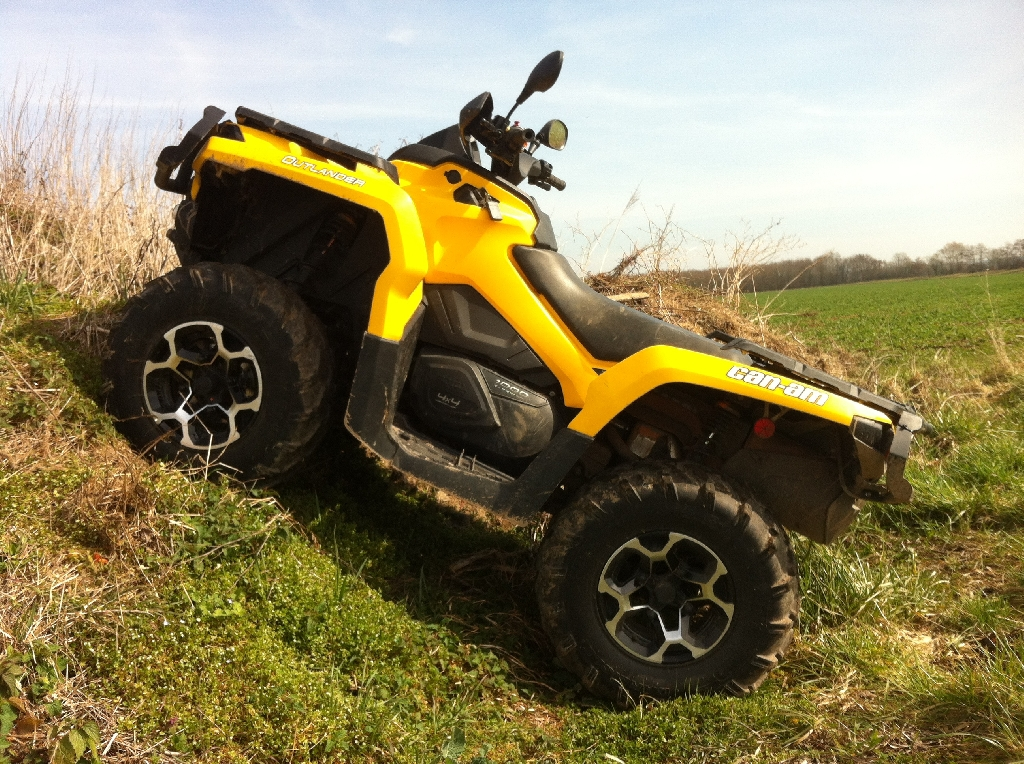 CAN-AM BOMBARDIER Outlander 1000 XT  2012 photo 2