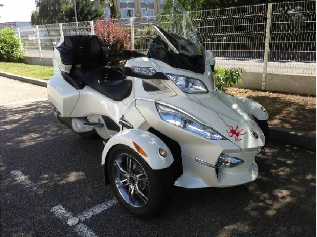 CAN-AM Spyder RT Limited 2012 photo 2